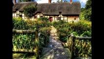 Anne Hathaways Cottage. William Shakespeare courted Anne Hathaway here.