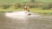 REPORTAGE - Le wakeboard, un sport de glisse tendance