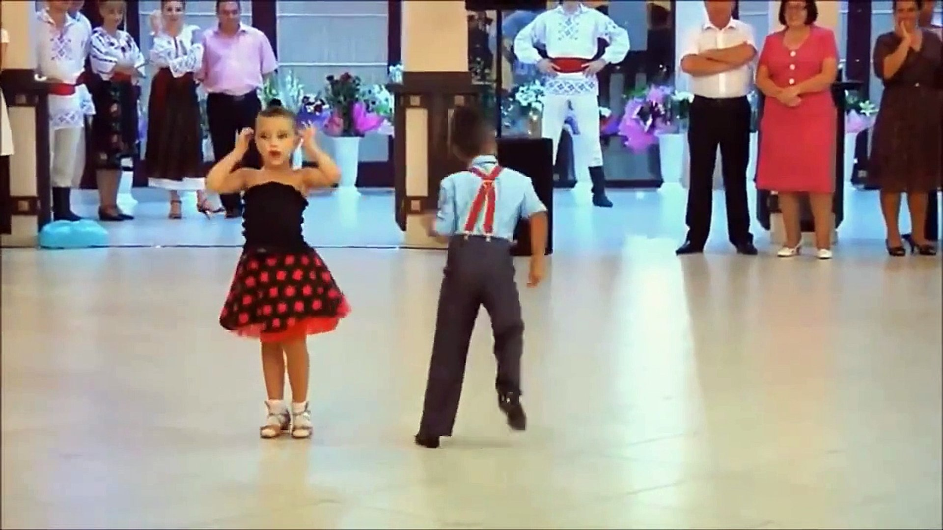 Amazing Talented Kids Dancing to some ... cute music!