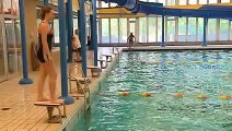 Hart van Nederland 15 jarige jongste zwemjuf van Nederland