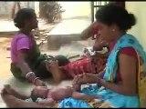 La India trae a Zaragoza masajes con cariño para bebés