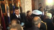 """Papulias Nderi i Gjirokastrës, lule në varrezat """"greke"""", i ikin dritat në Derviçan"""