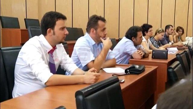 Zbatimi i ligjit në Shqipëri, juristi Ismet Elezi sjell eksperiencën e tij 70-vjeçare