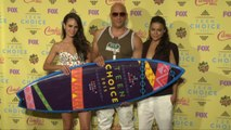 Sexy, Young And Old Celebrities Flock To Teen Choice Awards 2015