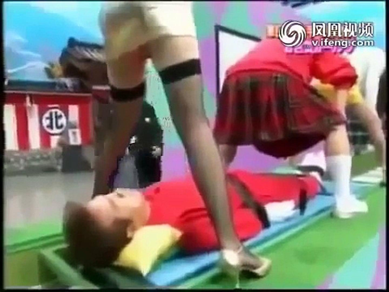 FUNNY Game Show Funny Nhật Bản hài hước   trượt qua háng  hài bựa nhật bản | Funny game show moments