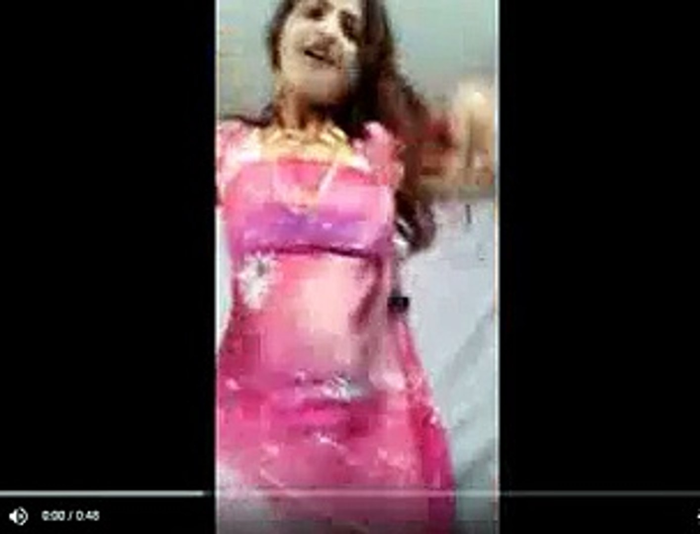 Sexy Bhabi On the dance Floor - Whatsapp funny videos