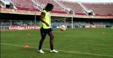"Nike Football - Ronaldinho ""Crossbar"""