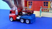Disney Pixar Cars Rayo McQueen vuelve a guardar por Transformers Optimus Prime a Bane Joke