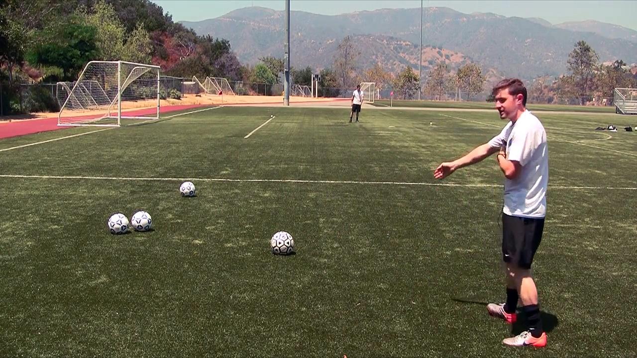 How To Cross A Soccer Ball – Soccer Tips To Cross A Soccer Ball