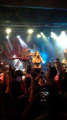 Tove Lo canta Habits em show no Rio de Janeiro