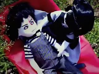 Living Dead Dolls... love after death.