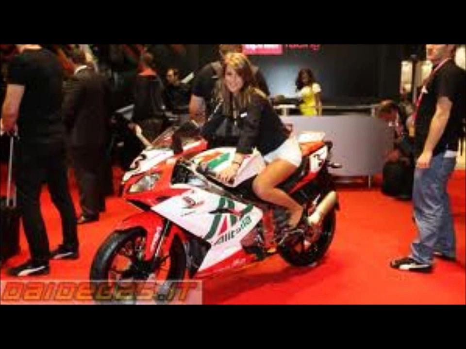 HOT WOMEN ON MOTORCYCLES APRILIA RS125 aprilia racing
