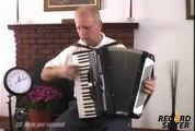 Le jeu le plus rapide à l'accordéon! (vidéo drôle) [rzhaka étain méga fun]