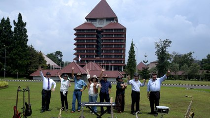Aryati - The Professor Band