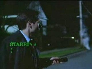 Générique alternatif pour X-files. Il a été réalisé pour une spéciale de la Fox juste avant le début de la seconde saison en septembre 94.