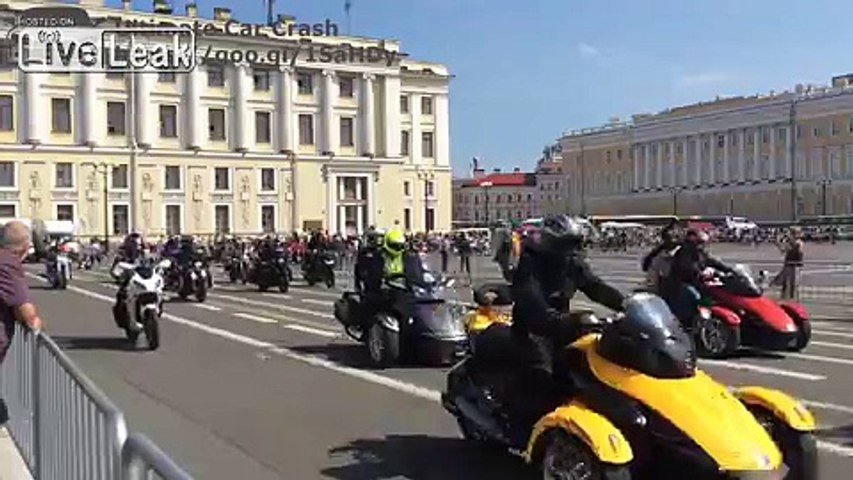 Harley Days in SPB. Over 2 000 motorcycles on Harley Days in St. Petersburg. August 8, 2015. | Godialy.com