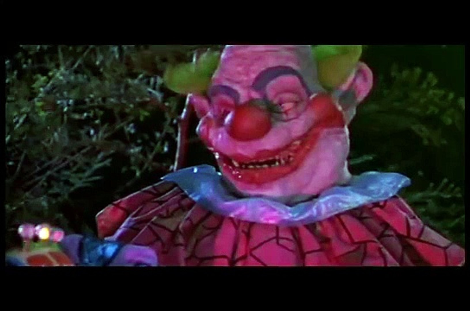 Killer Klowns from Outer Space (review, resume)