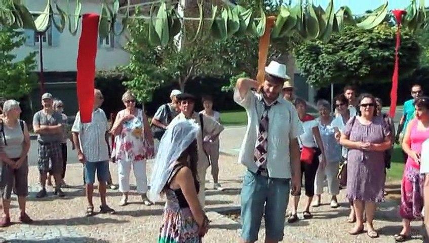 04 Samedi matin, visite du village : Mariage béarnais