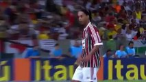 Funny football Patadon de Ronaldinho a un jugador de Gremio