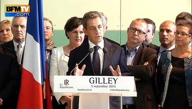 """Migrants: Sarkozy a """"honte"""" de """"la brutalité"""" de Marine Le Pen"""