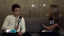 Did A Fan Really Stroke Nathan Sykes Feet On Stage  MTV News