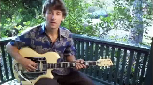 How to Play an A Flat Symmetric Diminished Scale on the Guitar : How to Play Scales on the