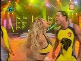 Esto es Guerra: Jazmín Pinedo besó a Gino Assereto frente a Michelle Sofier