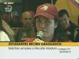 Usted lo vio: Estudiantes recien graduados le piden empleo a Nicolás Maduro