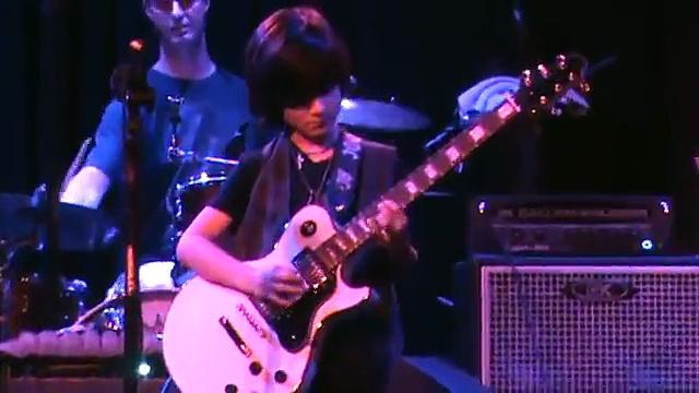 """Sweet Child O' Mine"" Alex Shaw 9 yr old lead guitar prodigy BB King's Blues Club!"
