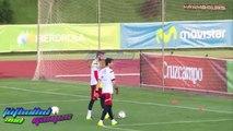 David De Gea Nutmegs Iker Casillas In Spain Training