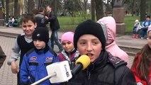 Curaj.TV - La doar 10 ani vorbește înverșunat despre politică