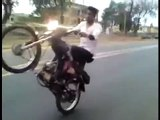 Bike Wheeling Ka ANJAAM....One Wheeling Accident Watch Video
