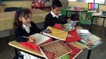 Regresan a clases miles de niños de primaria con tablets y útiles nuevos