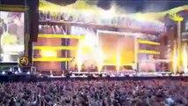 Robbie Williams- Let me entertain you- Progress Live