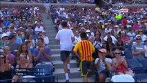 Zap Sport du 10 Sept. : Wawrinka offre sa raquette cassée, Mladenovic sait jongler, Mirotic déchire le drapeau serbe