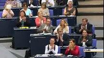 Sahra Wagenknecht, DIE LINKE Wie Sie mit dem Steuergeld umgehen, ist verantwortungslos Low