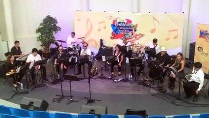 Ensamble sax & jazz / get in line