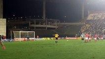 Luis Henrique marca o gol do Botafogo e vai para a galera no Kleber Andrade