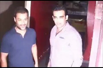 Zaheer Khan spotted at the screening of ISHKQ IN PARIS
