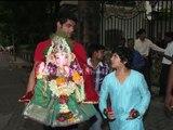 Akshay Kumar's son Aarav doing Ganesh visarjan of his grand mother Dimple Kapadia's Ganpati