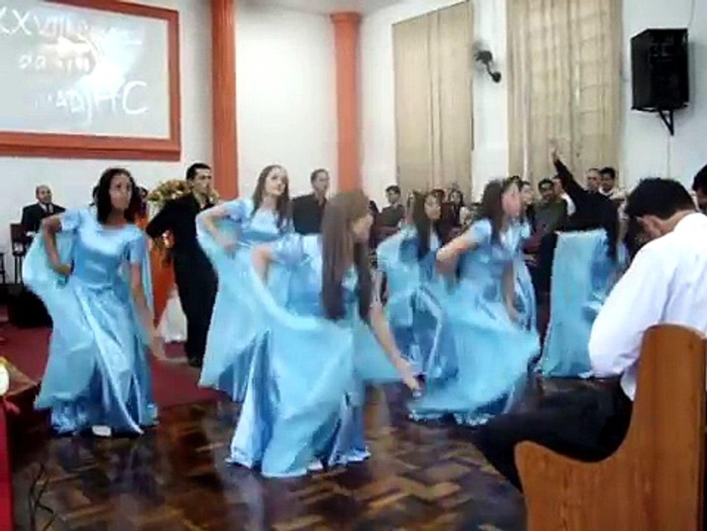 coreografia do hino Ele Vem