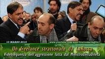 Videosequenza dell'aggressione a Rocco Carlomagno da parte di La Russa (10.03.10)