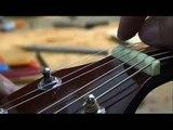 Comment changer les cordes sur votre guitare accoustique