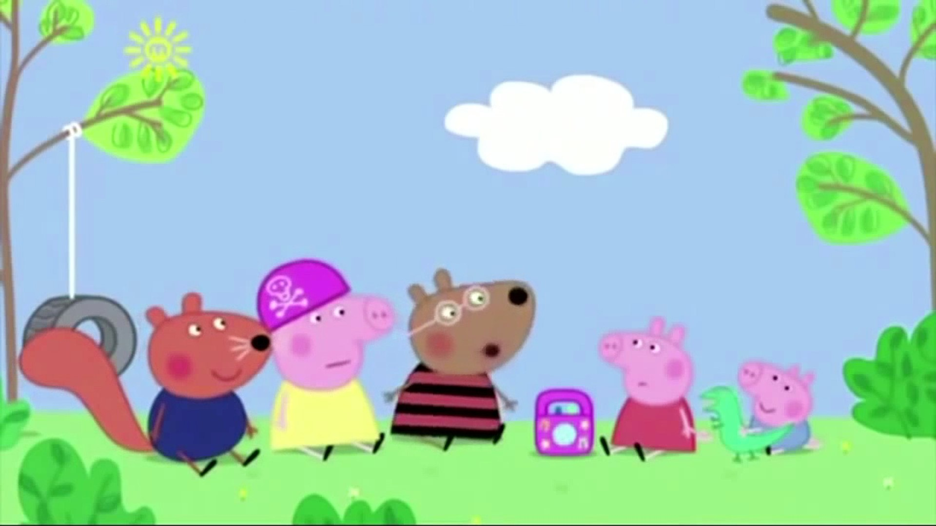 Peppa Pig shows her friends her favorite songs