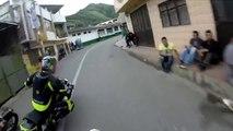 Course moto sur route Amérique latine