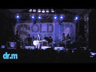 Ashilla - BIEB (Live Performance at SoldOutID Stage 2012)