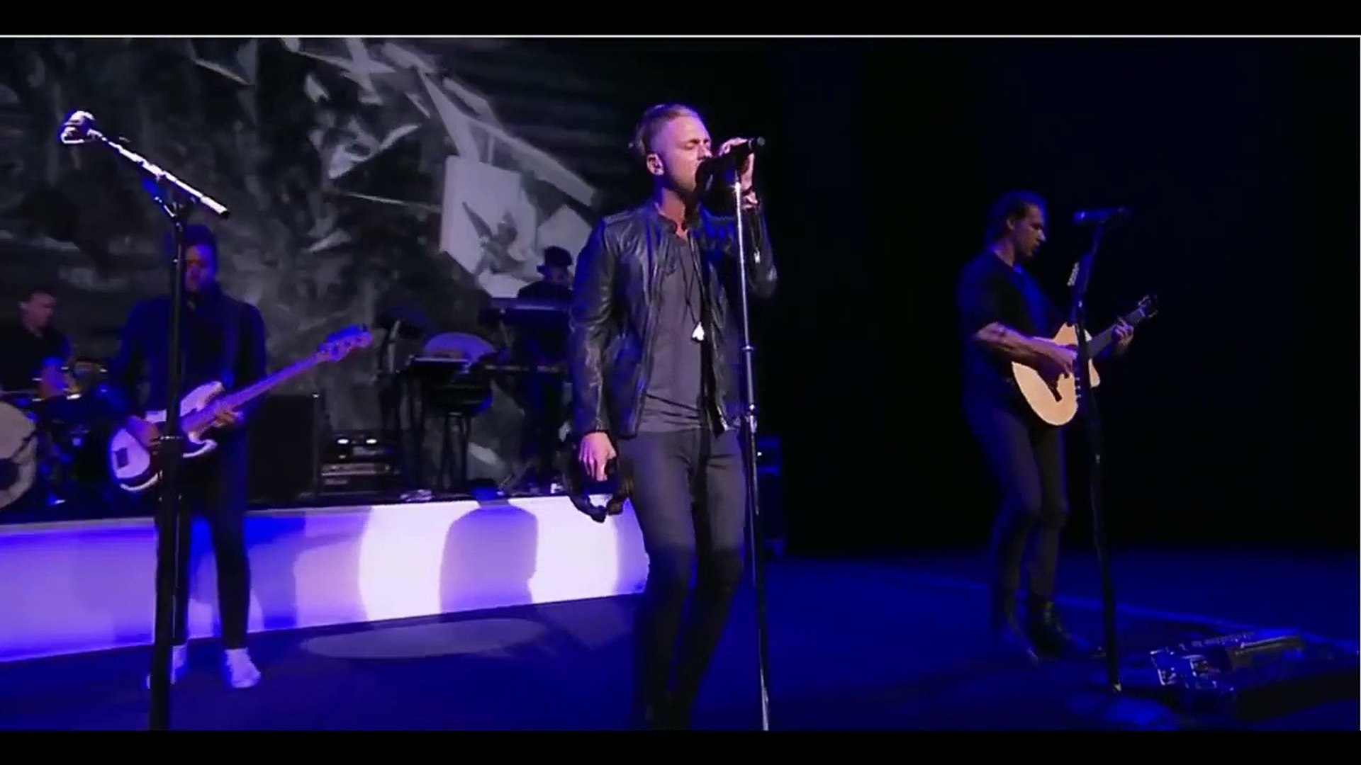 Counting Stars and I Lived OneRepublic sings in Apple event release Iphone  6s