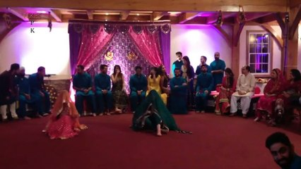 Big Round Of Applause For This Wedding Dance