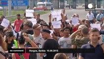 Hungary closes border crossings