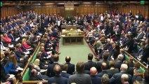 Premier face-à-face entre Corbyn et Cameron au Parlement britannique